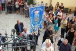 005-davanti_allla_scalinata_della_chiesa.jpg